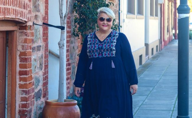 EMBROIDERED DRESSES FOR PLUS SIZE BABES