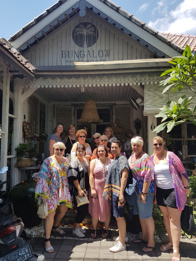 bungalow living Bali tour